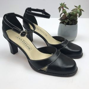 ANN TAYLOR Mary Jane Style Black Leather Pumps